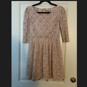 ❌Sold❌💕FOREVER 21 Lace Dress💕